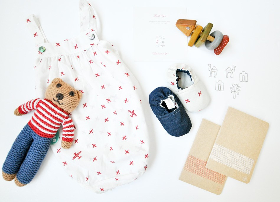how to flat lay your baby clothes