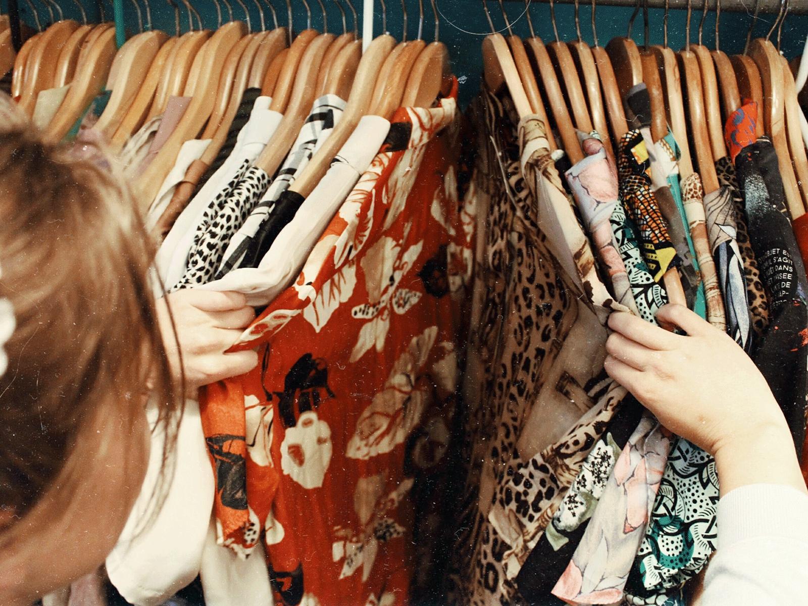 購買二手衣的注意事項 旋轉拍賣