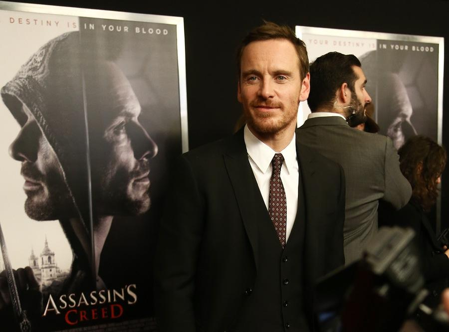 Michael Fassbender green carpet - sustainable fashion.jpg